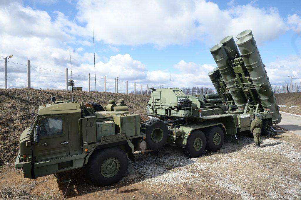 Новый дивизион С-400 защитит границу с Украиной