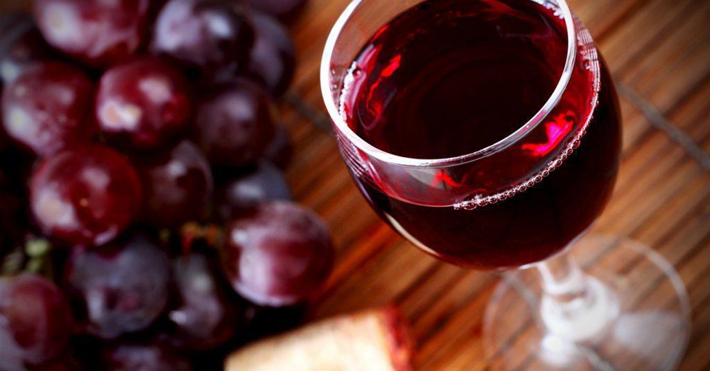 В Крым не пустили украинца с винным тайником