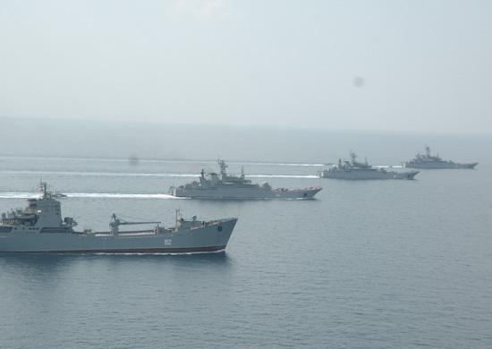 Десантные корабли ЧФ выполнили артиллерийские стрельбы по морским, береговым и воздушным целям