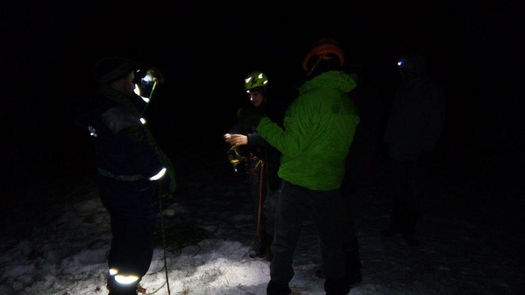 В Крымских горах шесть часов доставали застрявшего парапланериста