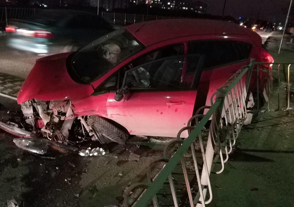 Пьяная автоледи устроила в Севастополе массовое ДТП (ФОТО)