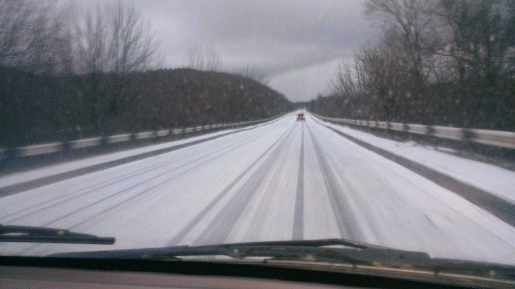 В снежном Крыму ЧС, связанных с понижением температуры, не зафиксировано