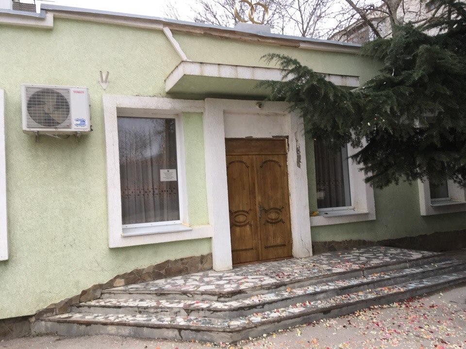 Севастопольцы шокированы состоянием ЗАГСа Балаклавского района (ФОТО)