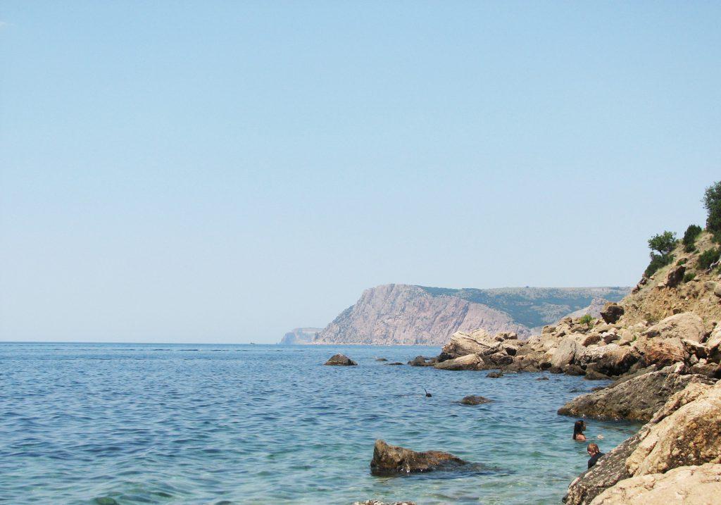 У берегов Феодосии чуть не утонула четырехлетняя девочка