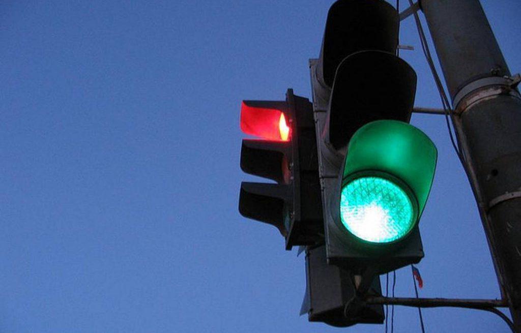 На трассе «Симферополь-Ялта» появились кнопочные светофоры