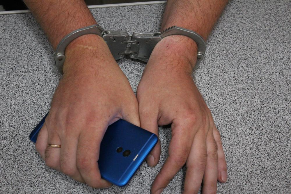 Раскрыта кража партии мобильных телефонов в аэропорту Симферополь